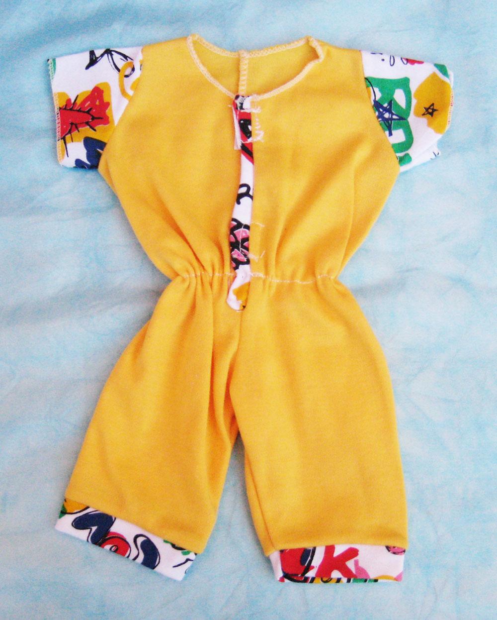 pijama-amarillo-para-muneco-waldorf