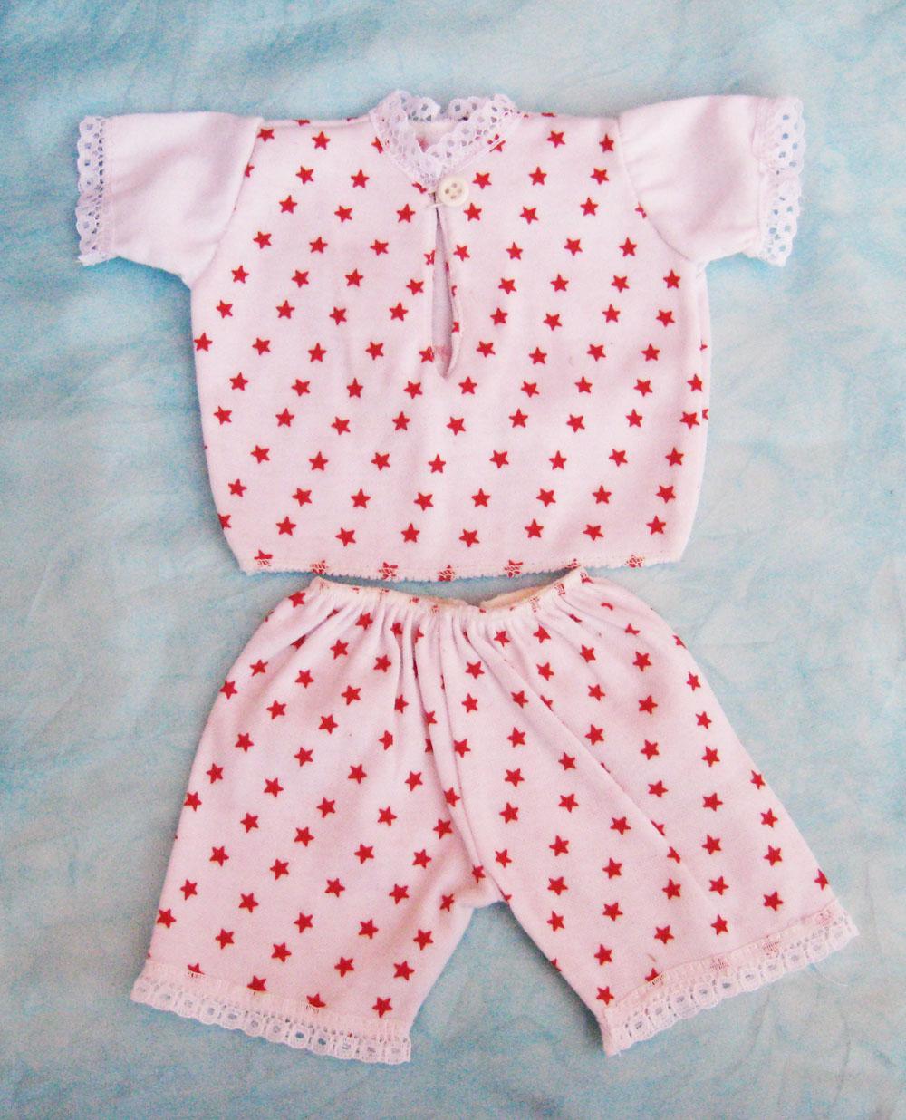 pijama-con-estampado-de-estrellas-para-muneca-waldorf