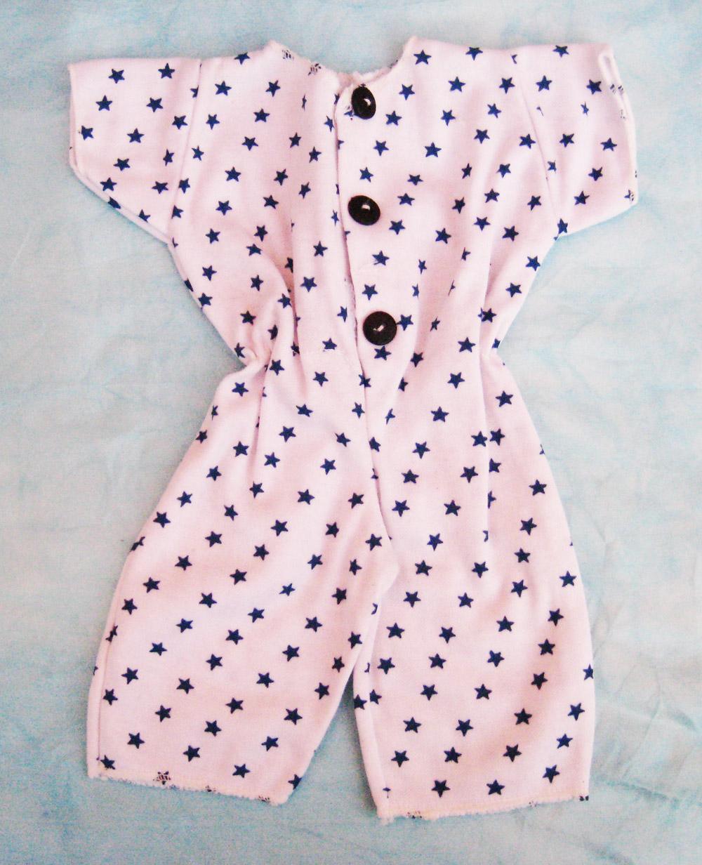 pijama-con-estampado-de-estrellas-para-muneco-waldorf