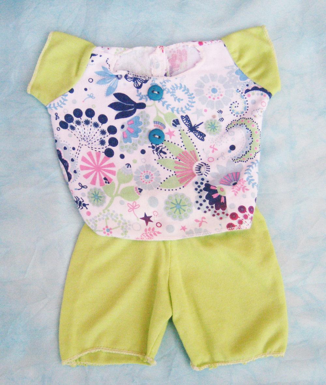 pijama-con-mangas-verdes-para-muneco-waldorf