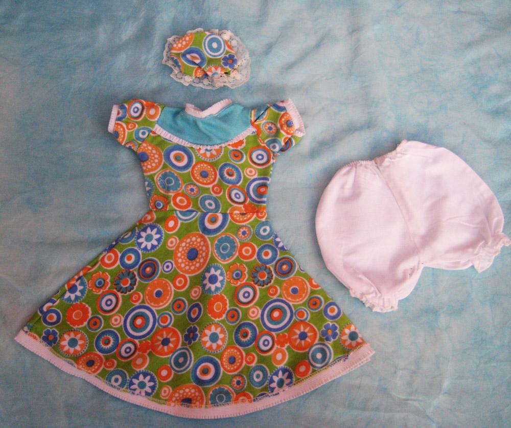 vestido-con-estampado-de-colores-para-muneca-waldorf