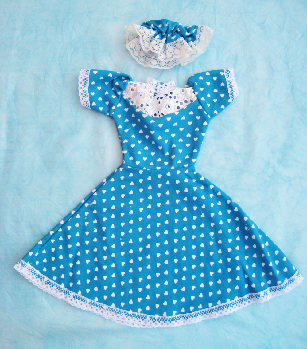 Vestido Con Falda Azul Y Estampado Carolina García