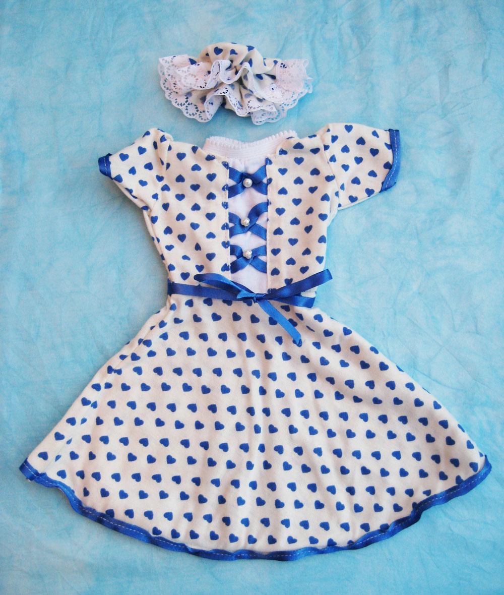 vestido-con-lazo-azul-para-muneca-waldorf