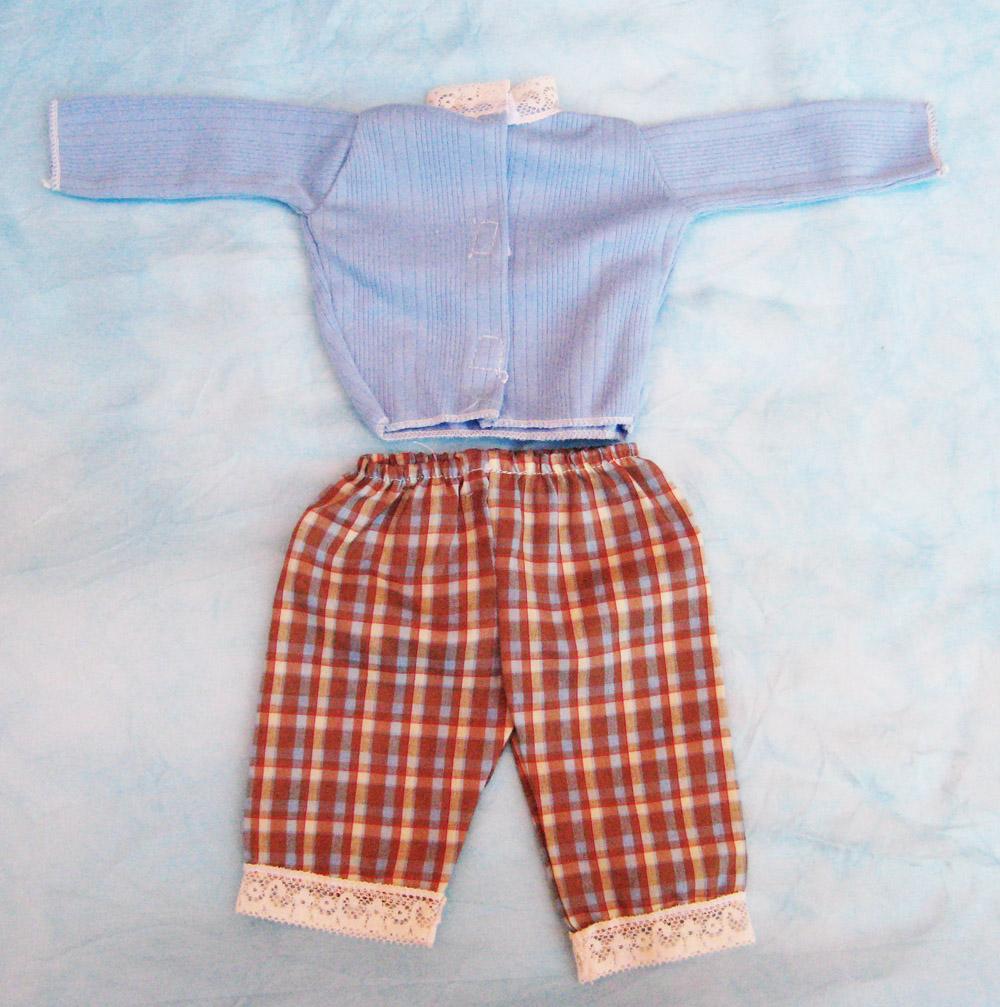 vestido-pantalon-a-cuadros-para-muneco-waldorf